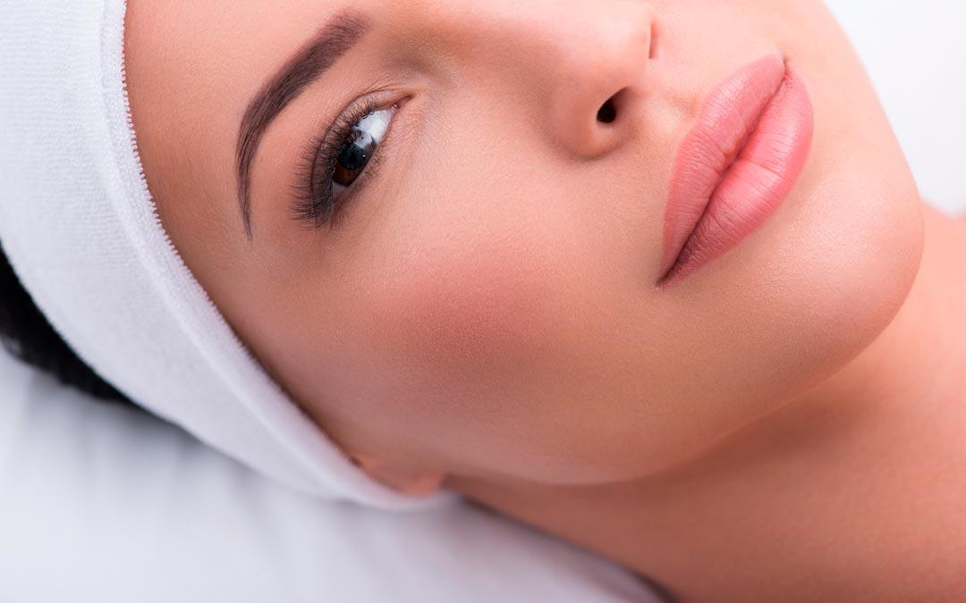 Lippen aufspritzen – der Beauty-Trend geht weiter.